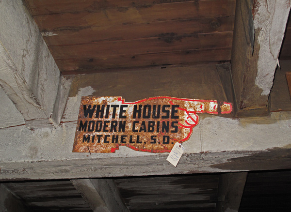 White_House_Cabins