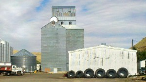 Pomeroy_Elevator_With_Tires