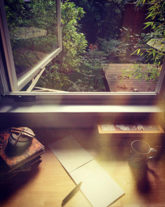 The writing desk, a journal life