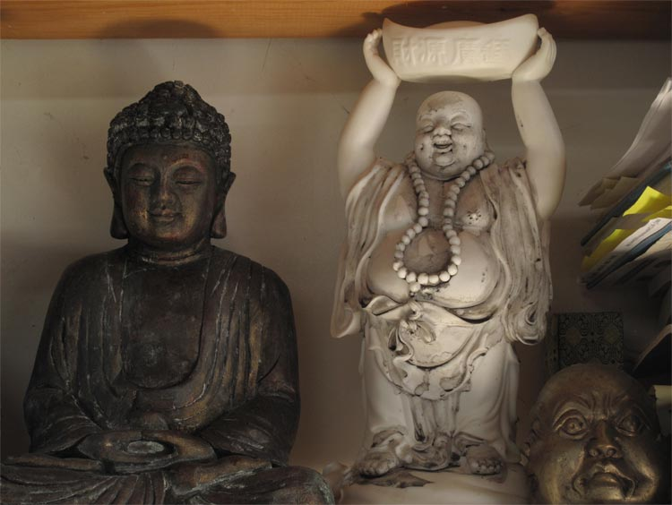 Buddhas_On_A_Shelf