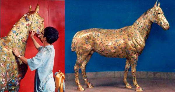 Jennifer Carrasco painting carousel hourse